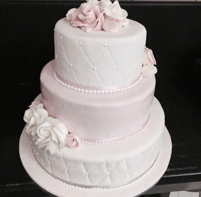 specialist wedding cake design company in dublin ireland